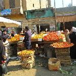 il mercato antistante la moschea