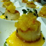 Giant scallops with mango puree and citric chutney