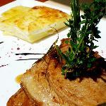 Das leckere Lamm aus dem Ofen mit Kartoffelgratin
