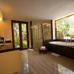 One bedroom pool villa - Bathroom