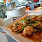 Sauteed prawn with green beans