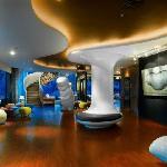 Gallery Lobby Artotel Surabaya