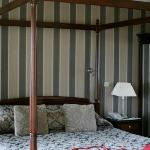 Four poster bed and Honeymoon surprise
