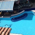 poolbar