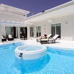 Club Villas pool area.