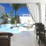 Premier Garden Villas. Pool Area.