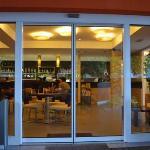 il bar dall'esterno