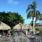 Photo de Outrigger Tiki Bar and Deckside Cafe