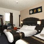Chambre Triple Akena Dol de bretagne.www.hotels-akena.com