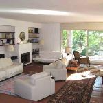 Il salone, la veranda sul giadino, atmosfera di casa