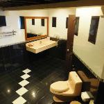 ビーチバンガロー内のバスルーム