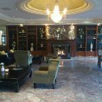 Lounge im Eingangbereich incl. Kamin