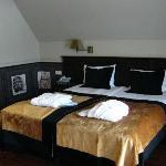 Bed, room 407