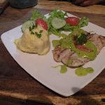 Filete de Pescado con Salsa de Avocado
