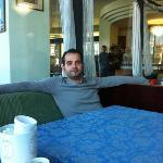 mio marito in relax nel salotto del Nettuno