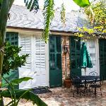 cottage 1 & courtyard