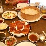 四人では食べきれないほどあった北京ダック