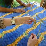 Lau Lau weaving lesson