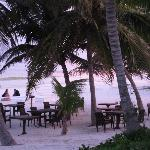Breakfast and lunch on beach