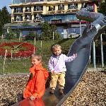 Rutschbahn vor dem Märchenhotel.