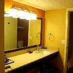 Room 410 - bathroom