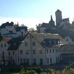 Brauerei mit Burg Aufseß im Hintergrund