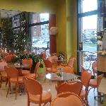 una parte dell'interno della caffetteria