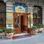 Hotel Lancaster - Main entrance