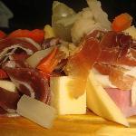 PICADA CRIOLLA ( de fiambres y quesos )