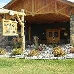 Rainbow Ranch Lodge front entrance