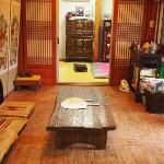 Hanok Eugene's Guesthouse Family(Group) room(Private Bathroom)
