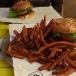 The BGR burger with sweet potatofries