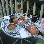 Breakfast on the balcony - Great start to a beautiful day in Savannah!