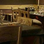 Detalhe das cadeiras e taças