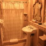 Badkamer, kamer naast de ontbijtruimte
