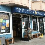 Devil's Teeth Baking Company Foto