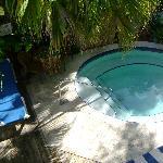 Lounging pool