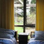 2 single beds in self contained apartment