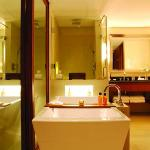 Terrace Room bathroom