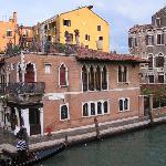 La Palazzina Veneziana exterior from Ponte delle Guglie