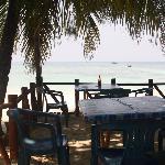 tavoli sulla spiaggia