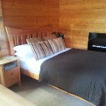 Bedroom in Oak Cabin