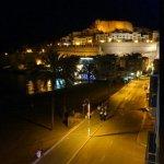 fantasticas vistas del castillo de noche