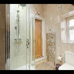 One of our en suite bathrooms