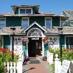 Welcome to the Shelburne Inn and Restaurant, the oldest continuously operating hotel in Washingt