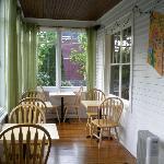 Porch/dining room