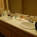 2 sinks=less fighting