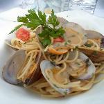 Espaguestis con alemjas / Spaghetti with clams