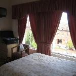 double room (American full-sized bed)
