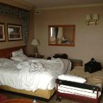 Room/King Bed with Cot